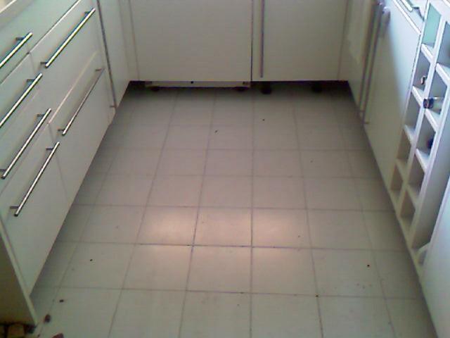 Cambiar suelo de cocina reformas en - Pintar suelo cocina ...