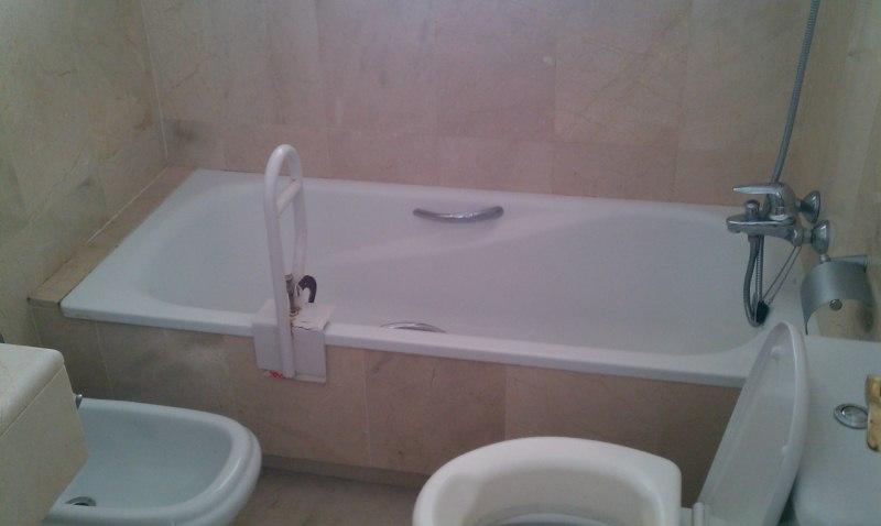 Quitar El Bidet Del Baño:Cambiar bañera en cuarto de baño con mármol y sacar bidet